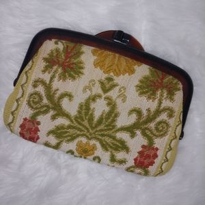Vintage embroidery hand clutch